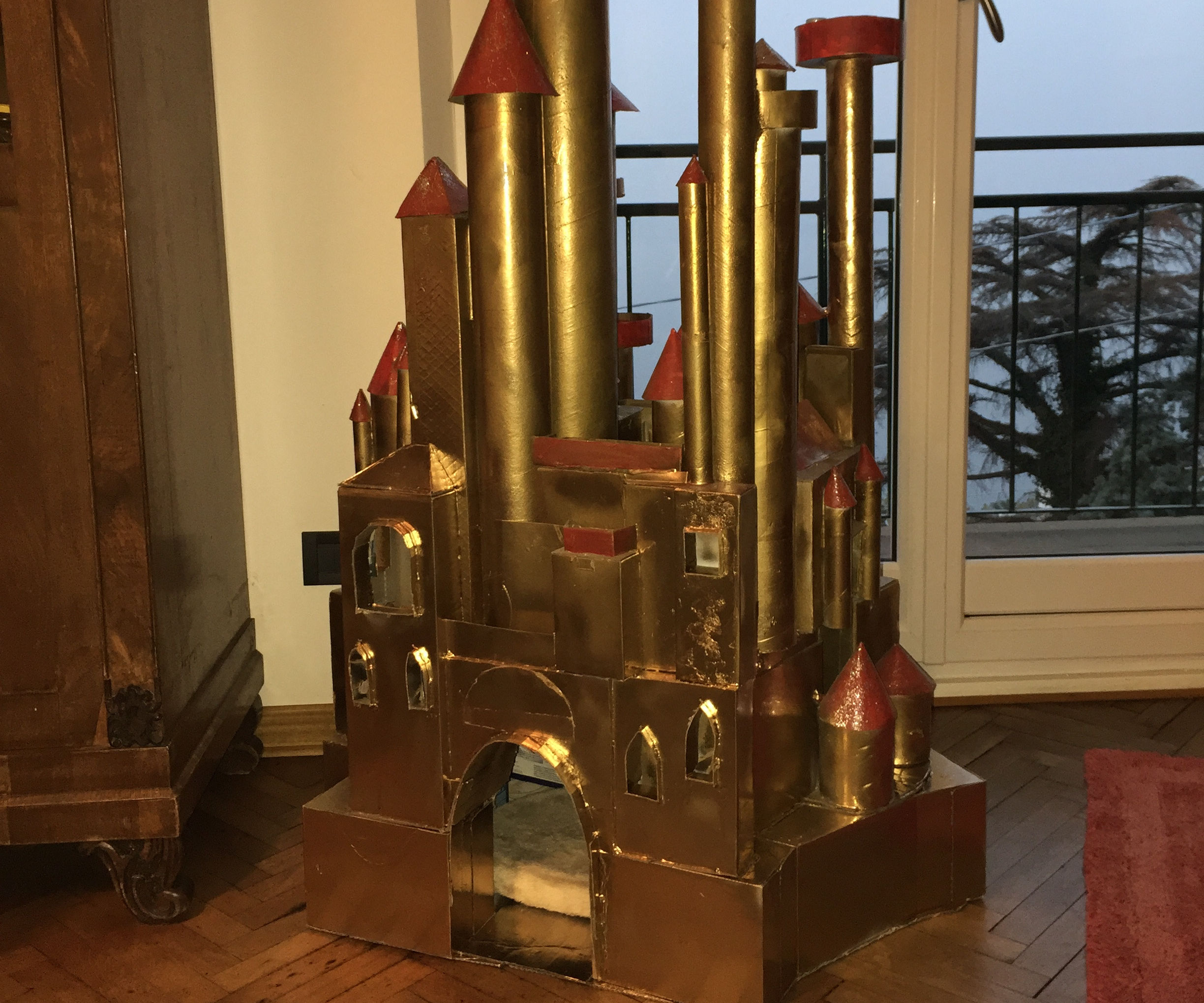 From a Castle Toy to a Imperial Kitty House