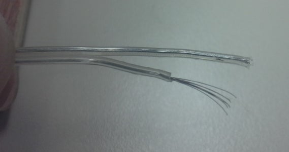 Connection Between the End of the Light Strand and the Cable to the Battery Pack: