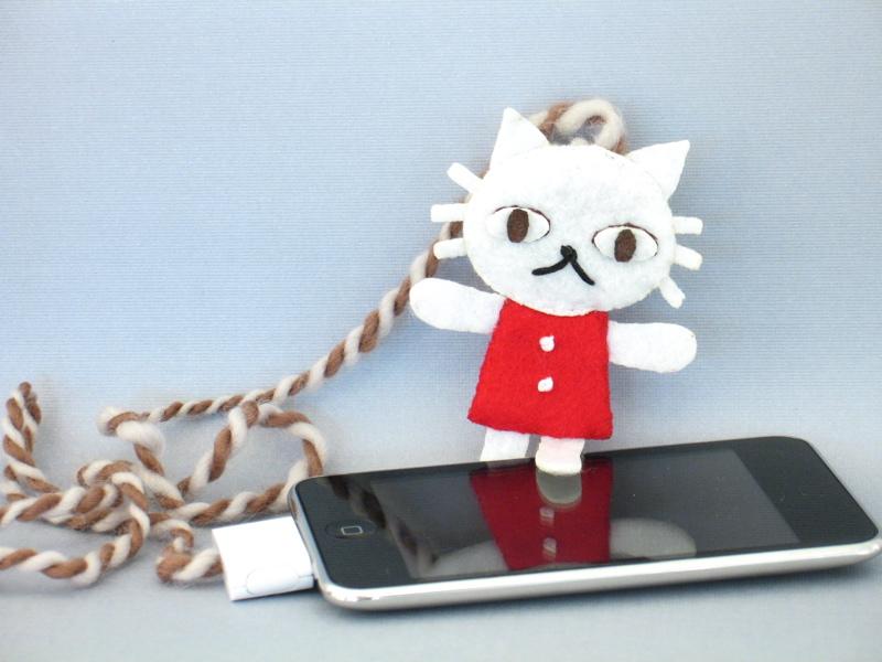 10-minute sewable iPod remote