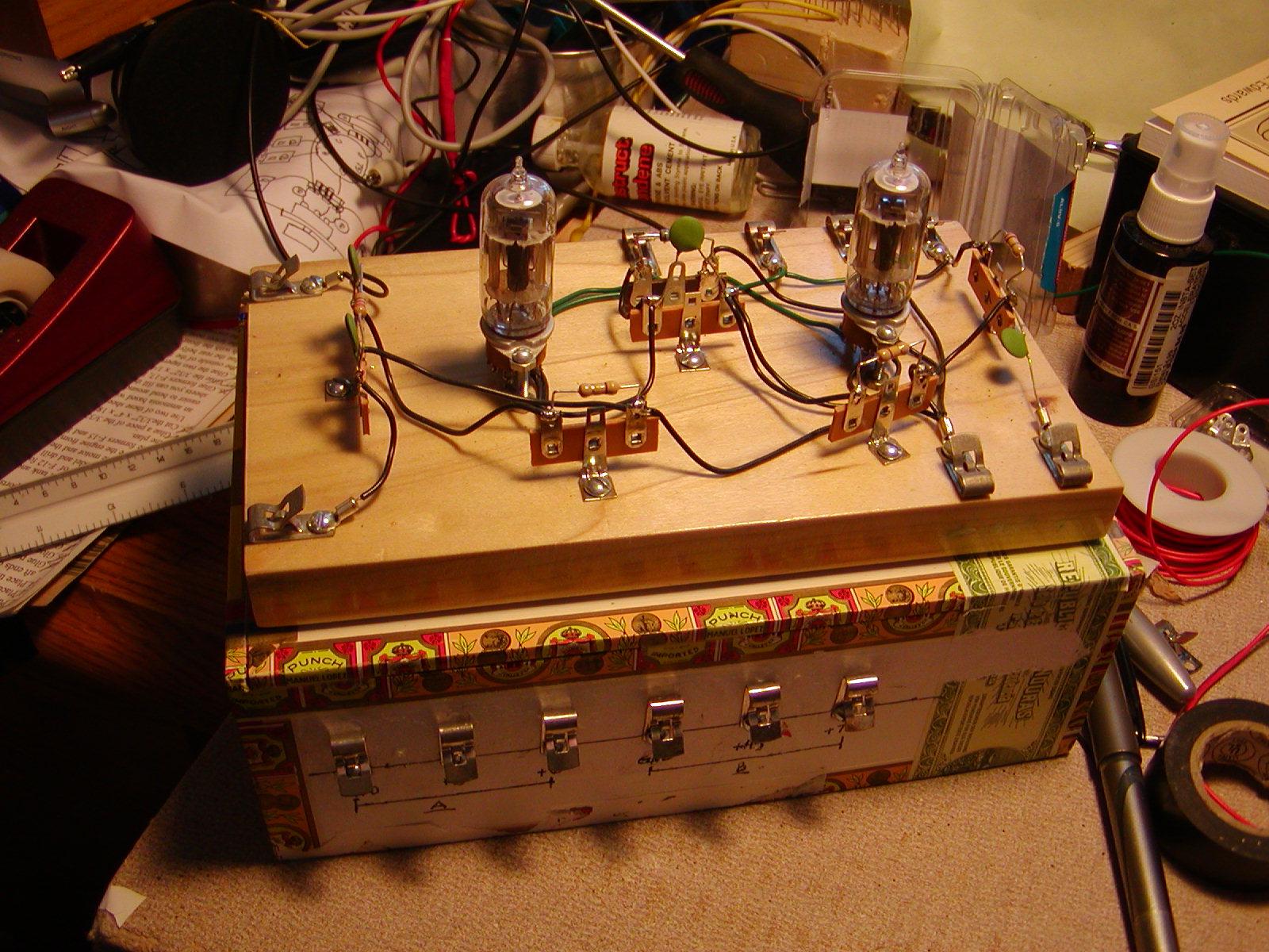 Build a Cigar Box Battery Box for Tube Radios
