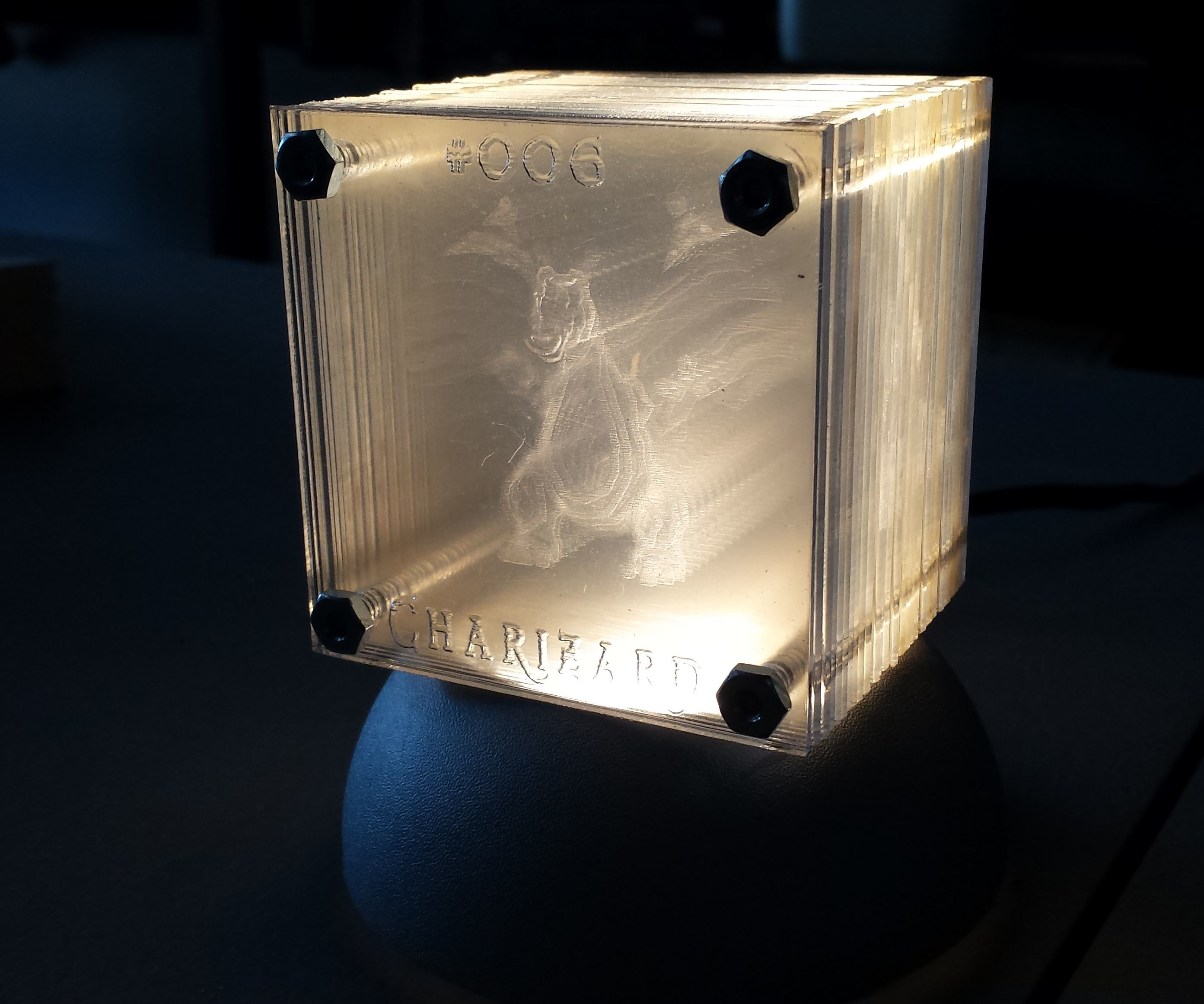 Cubic Hologram Lamp