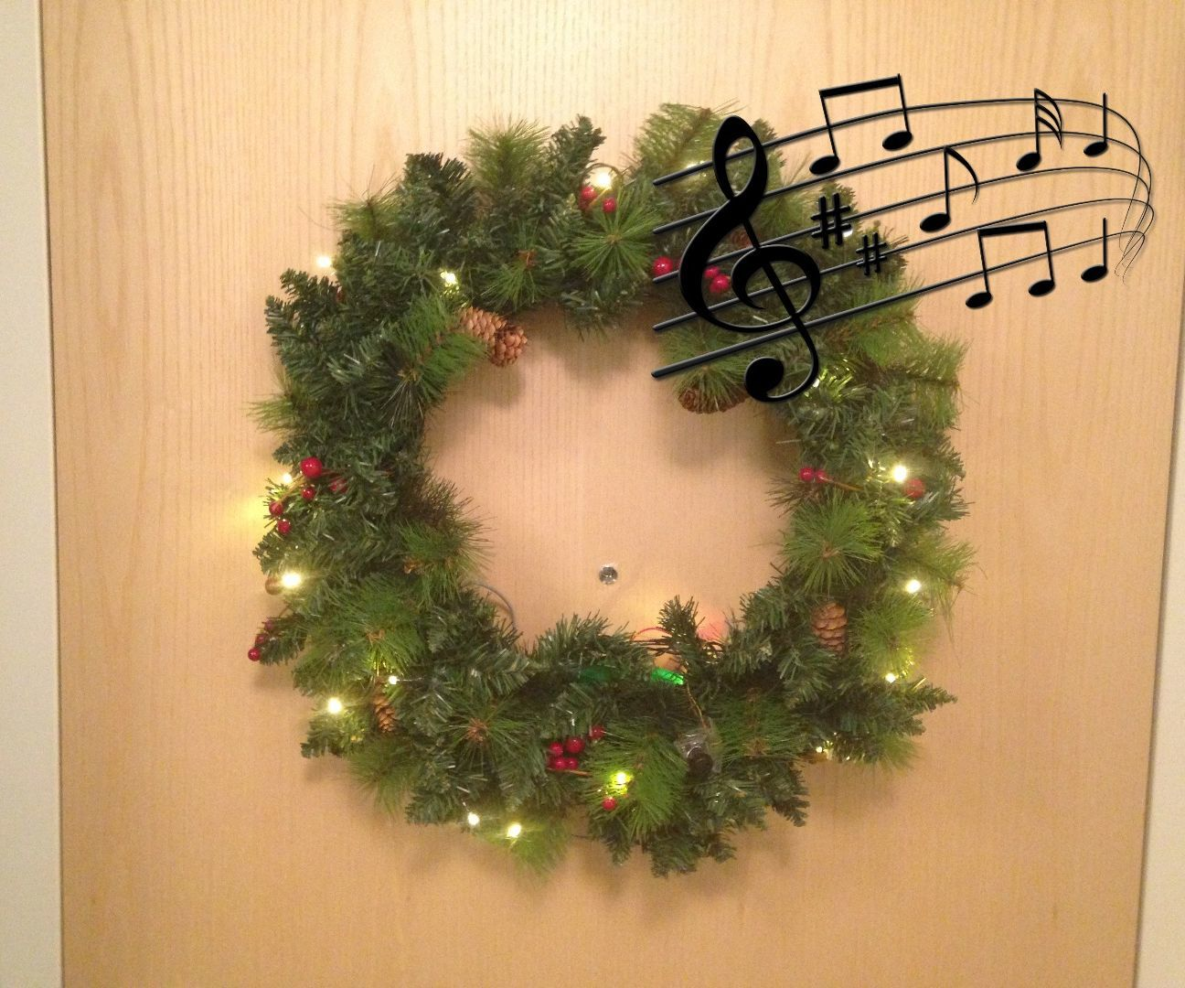 Singing Holiday Wreath