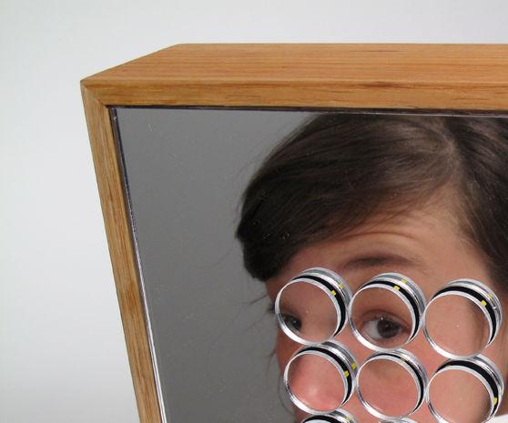 Vibrating Pixels, Mechanical Mirror