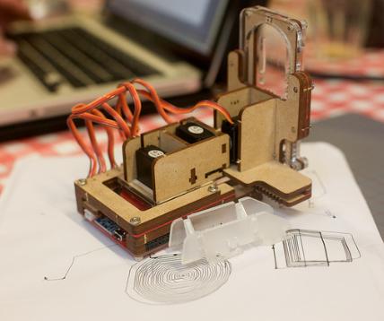 Piccolo: Mini Cnc Drawing Machine