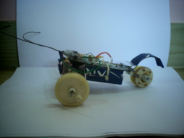 SIMPLE OBSTACLE DETECTING ROVER