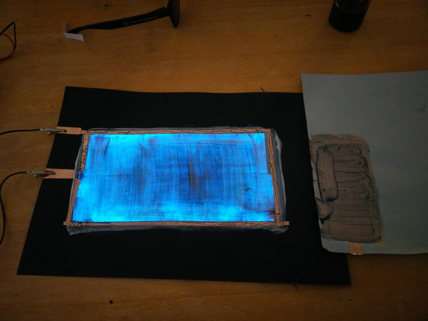 How to Make Electroluminescent (EL) Paint!!
