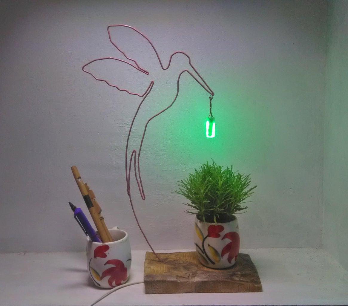 金属丝鸟桌装饰