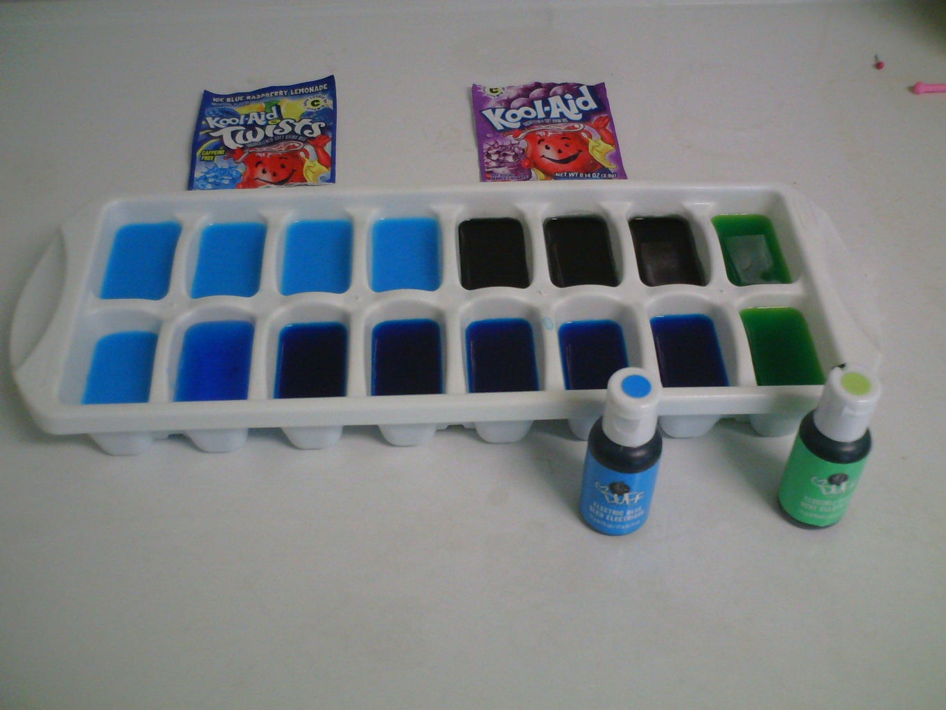 Making Coloured Ice Cubes