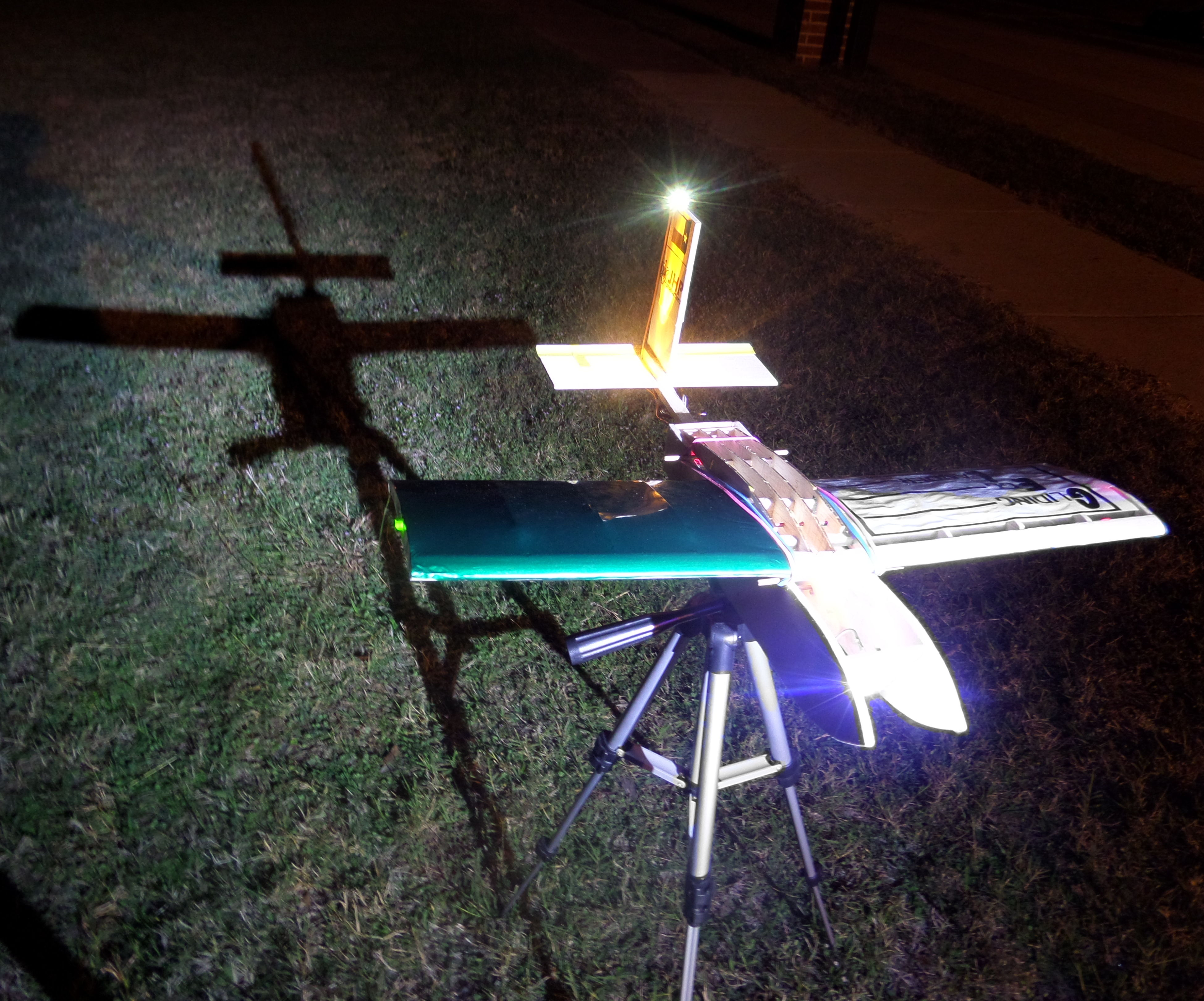Gliding Egg Lander (Balsa Wood Plane)
