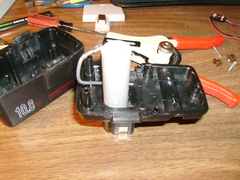 Remover Las Celdas De La Batería Recargable