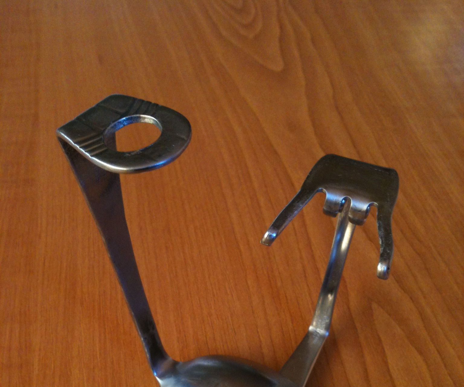 Razor Stand From Spoon and Fork and Spiced With Magnet