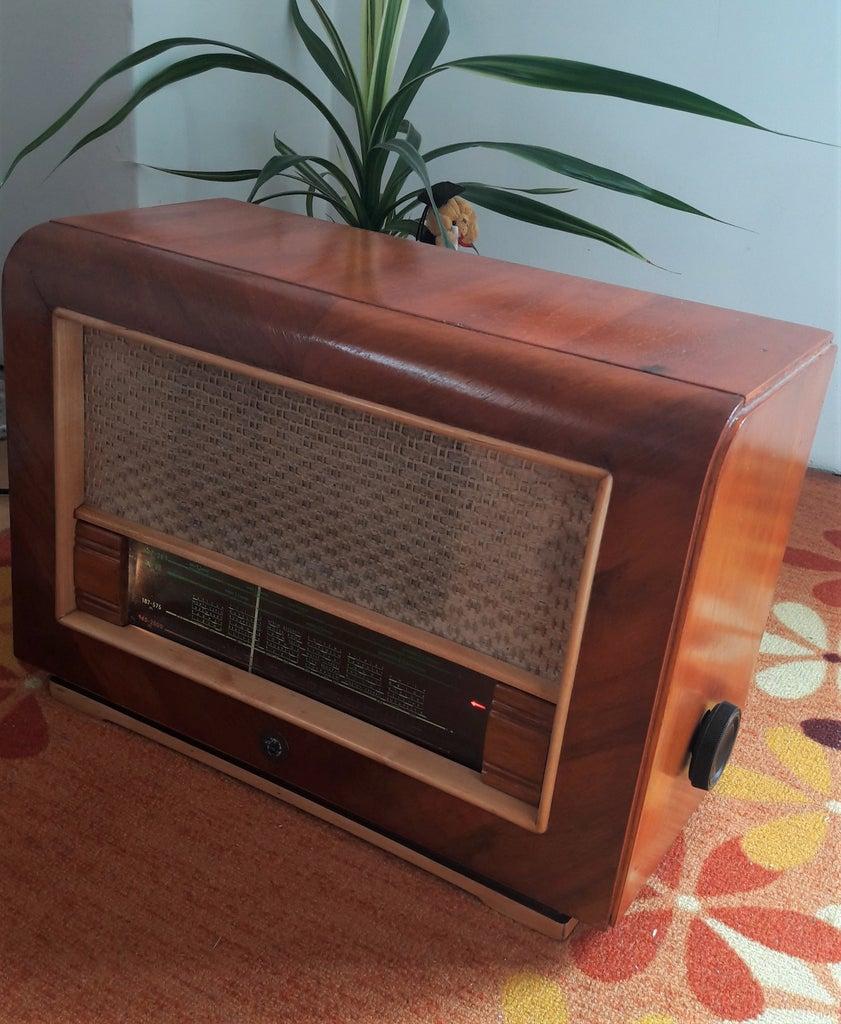 Old Radio Restoration