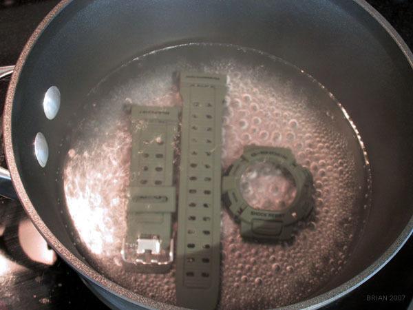 Boiling a Casio G-Shock Mudman