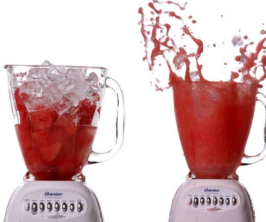 How to Turn on a Blender