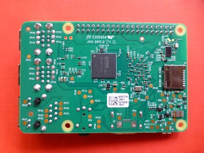 Raspberry Pi 3 : Out of the Box
