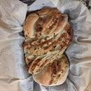 72-hour Cheesy Garlic Loaf