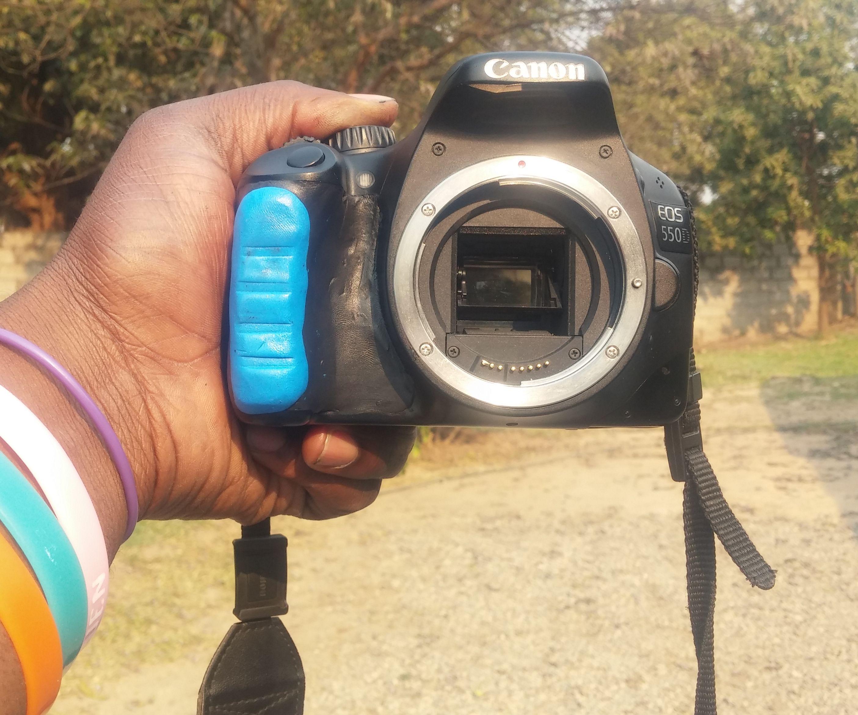 Camera Grip Restoration (Canon EOS 550D)