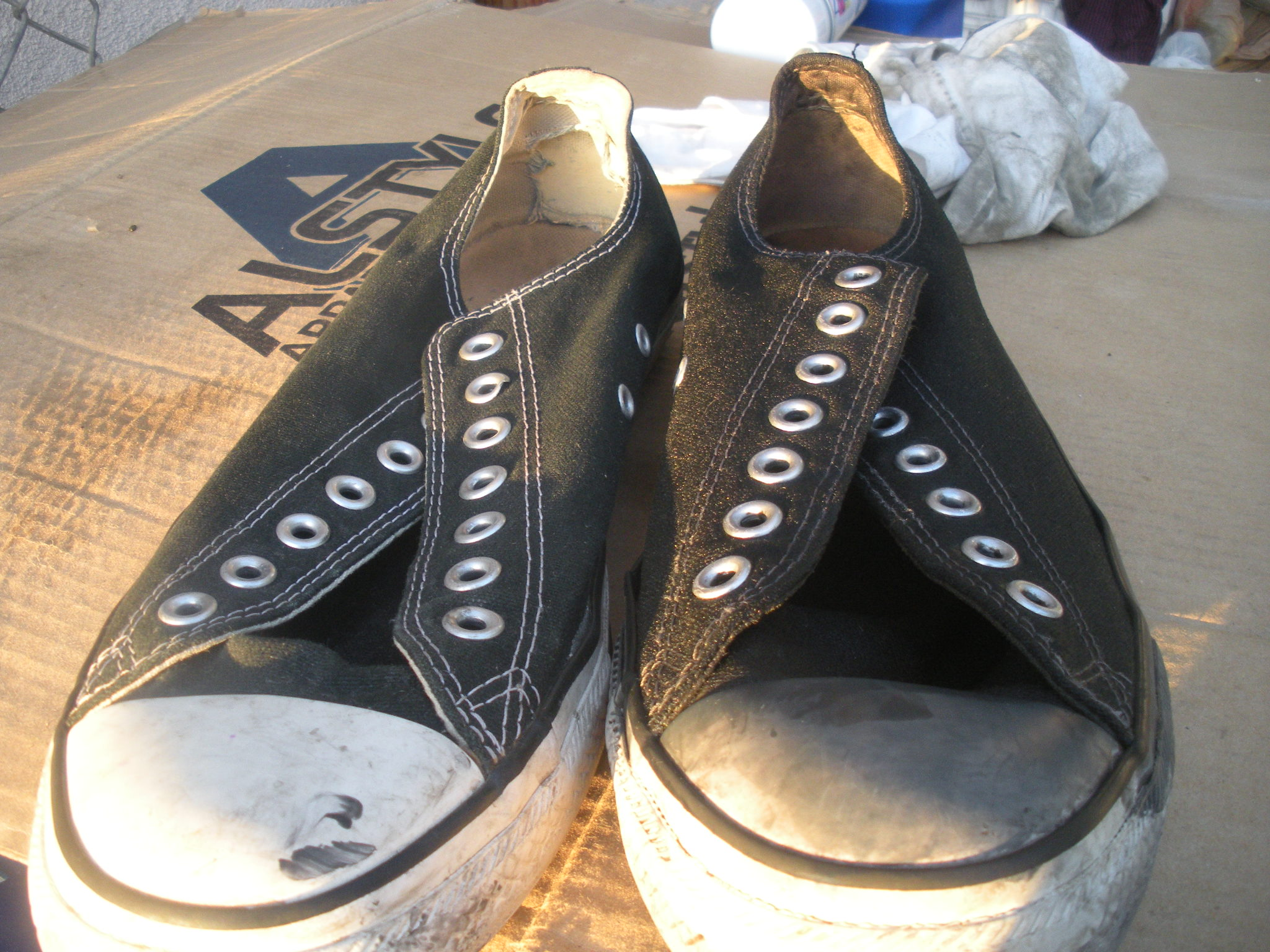 How to Renew Your Old Faded Converse