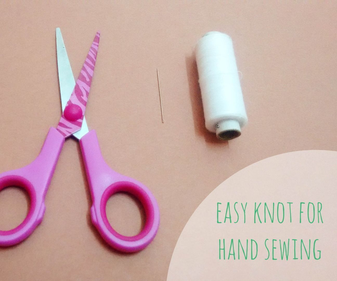 Easy knot for hand sewing