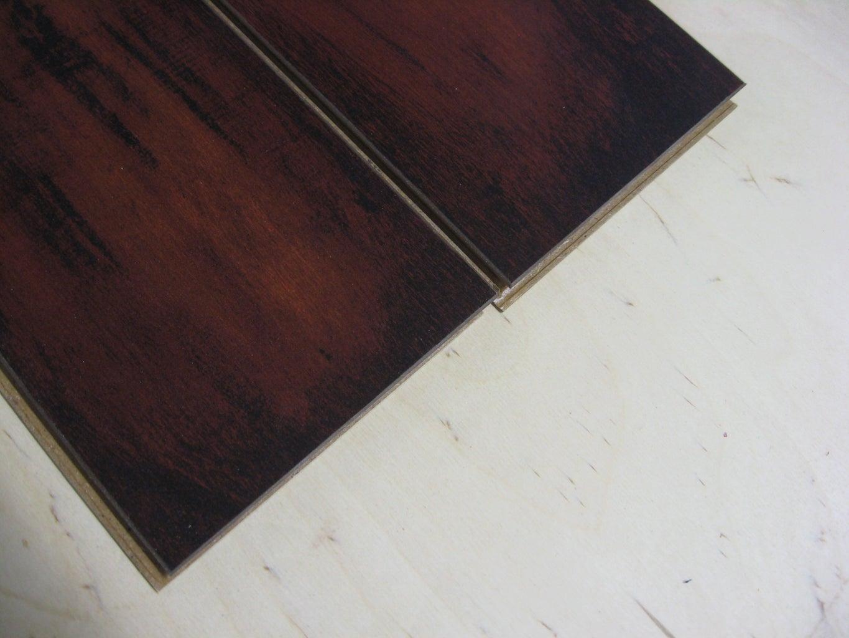 Prepare Laminate Flooring Pieces