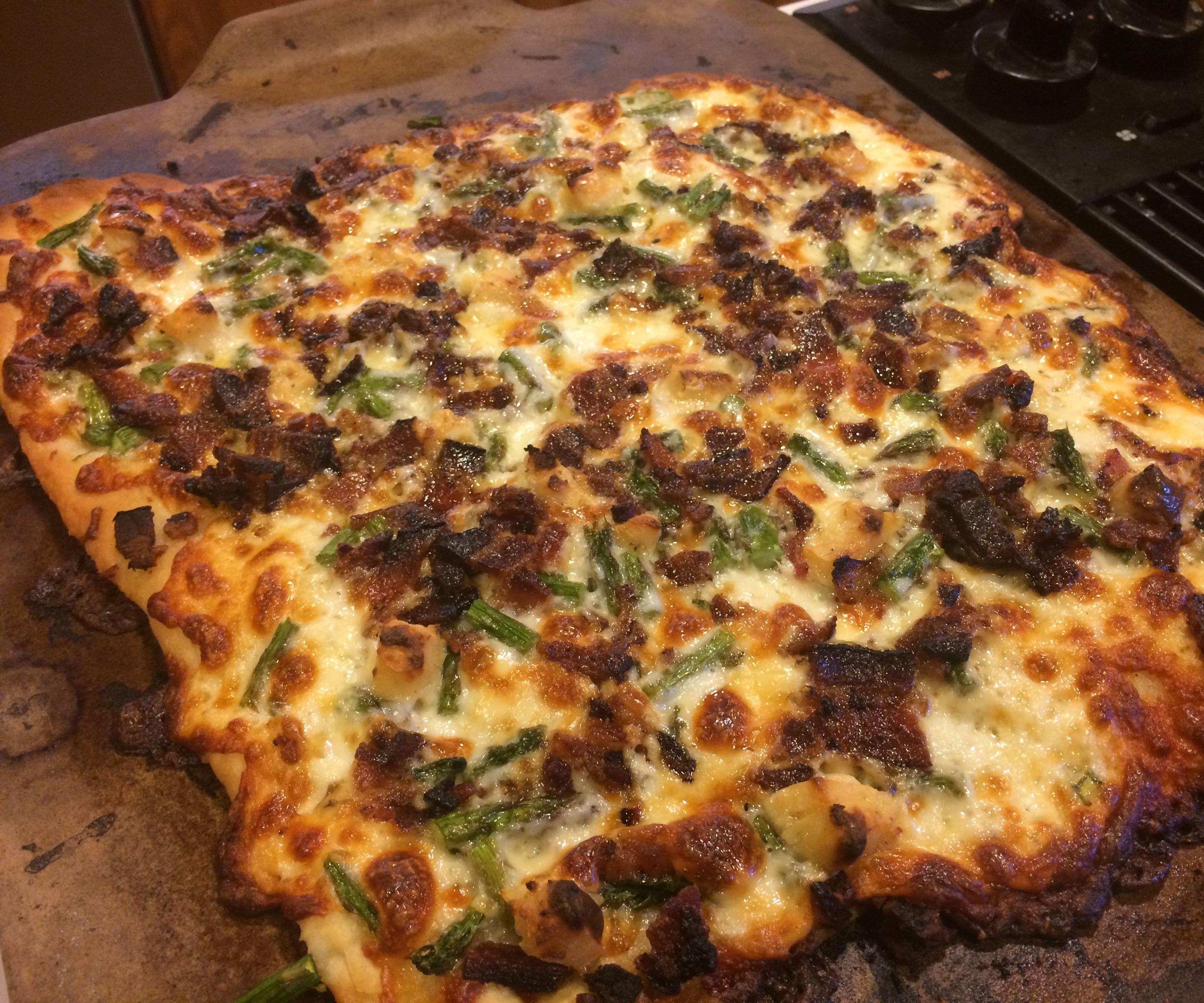 Garlic Bacon Asparagus Pizza