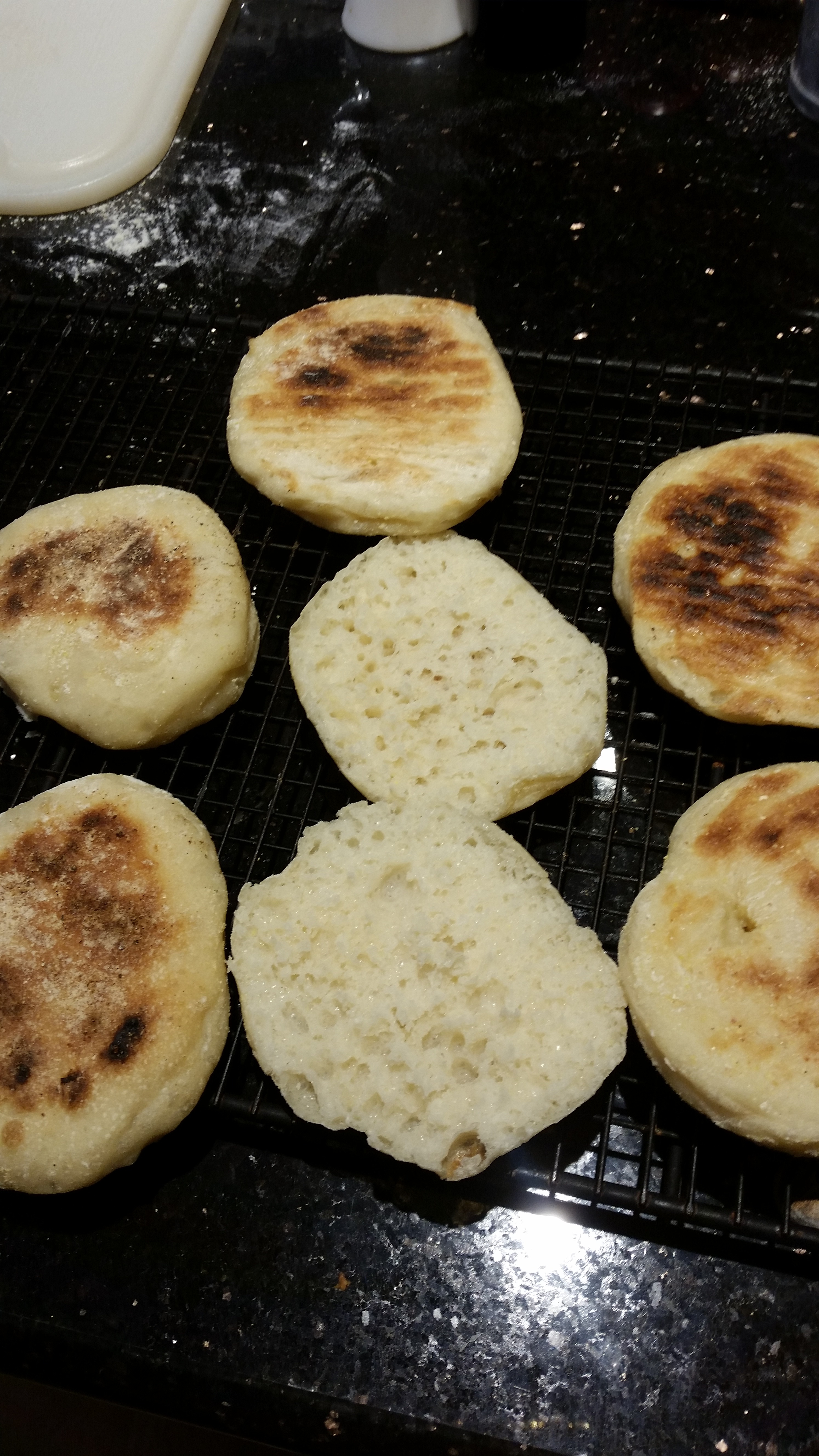[Collegiate Meals] No-Knead English Muffins