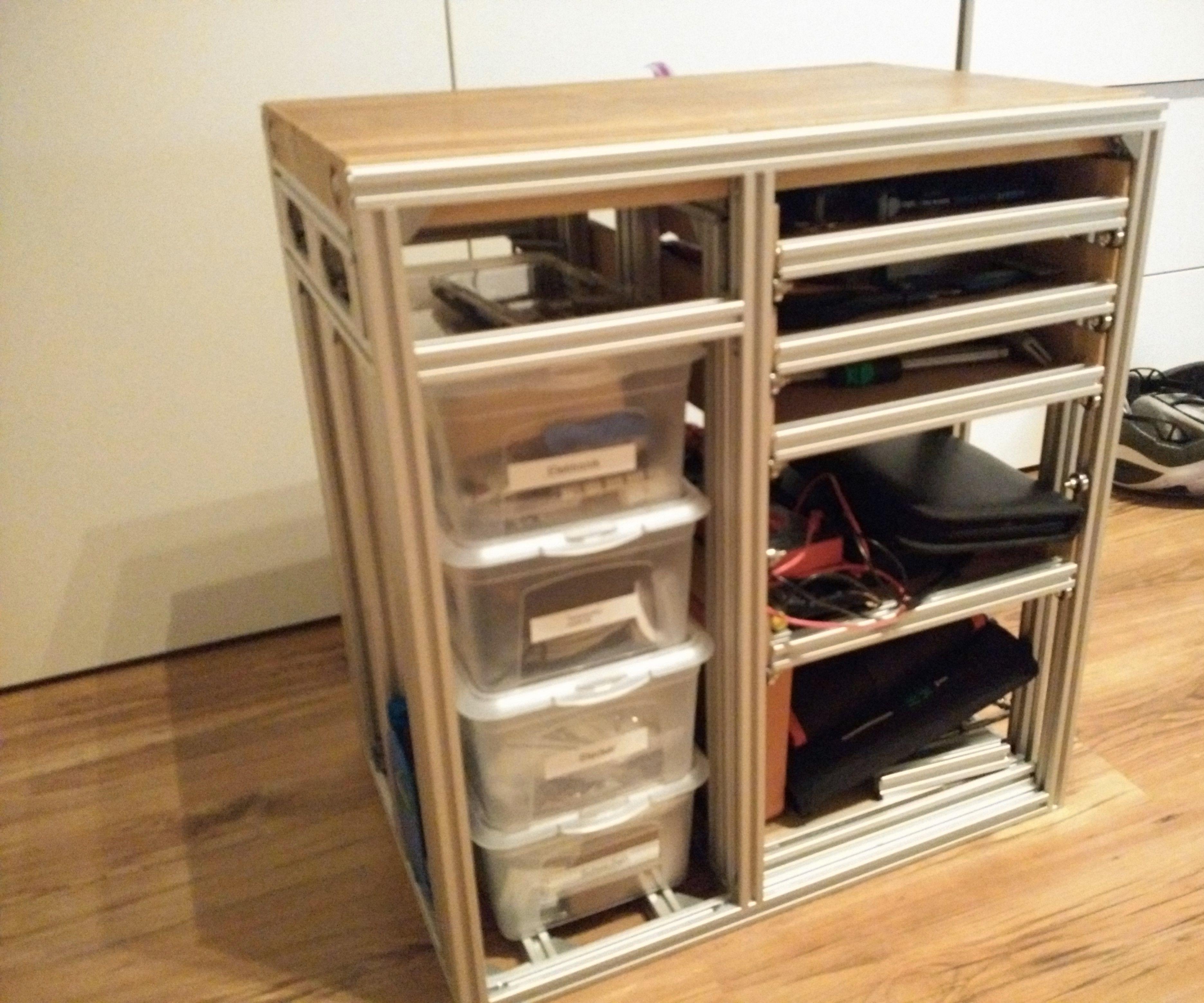 Complete workshop in a shelf