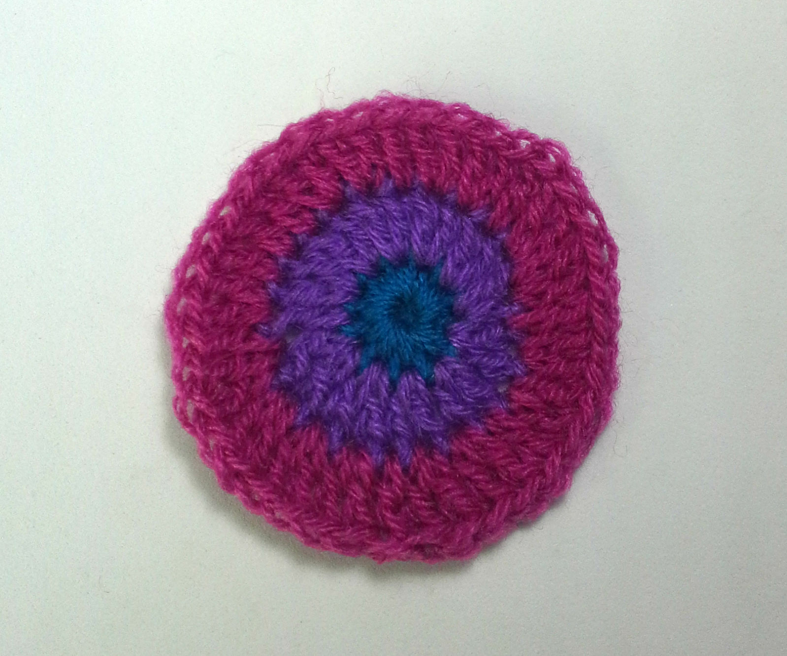 Invisible begining in round crochet
