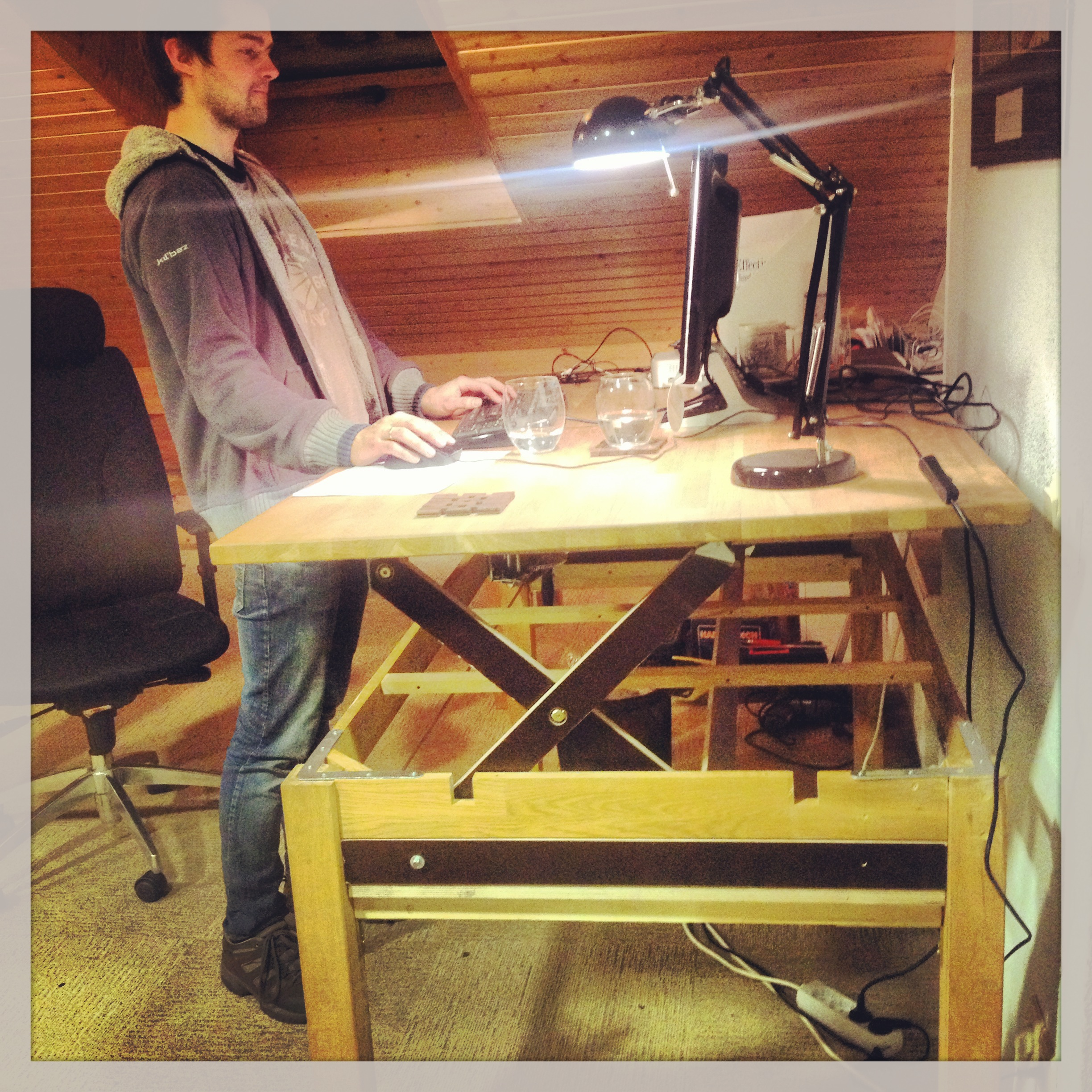 Liftable / Stand-up / Rising - Desk / Table