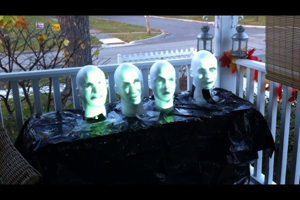 Arduino Powered Haunted Mansion Singing Busts