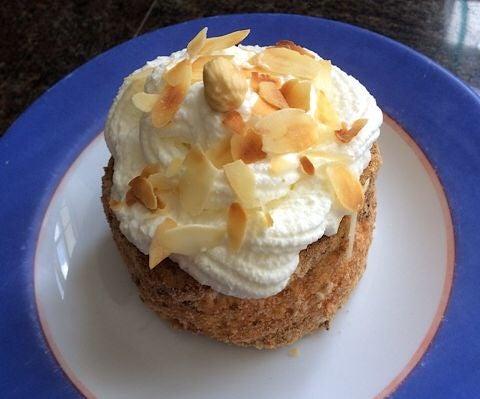 Hazelnut-merengue Pastry