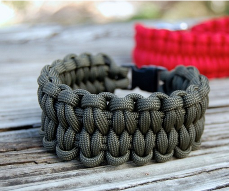 Blaze Bar Woven Paracord Bracelet