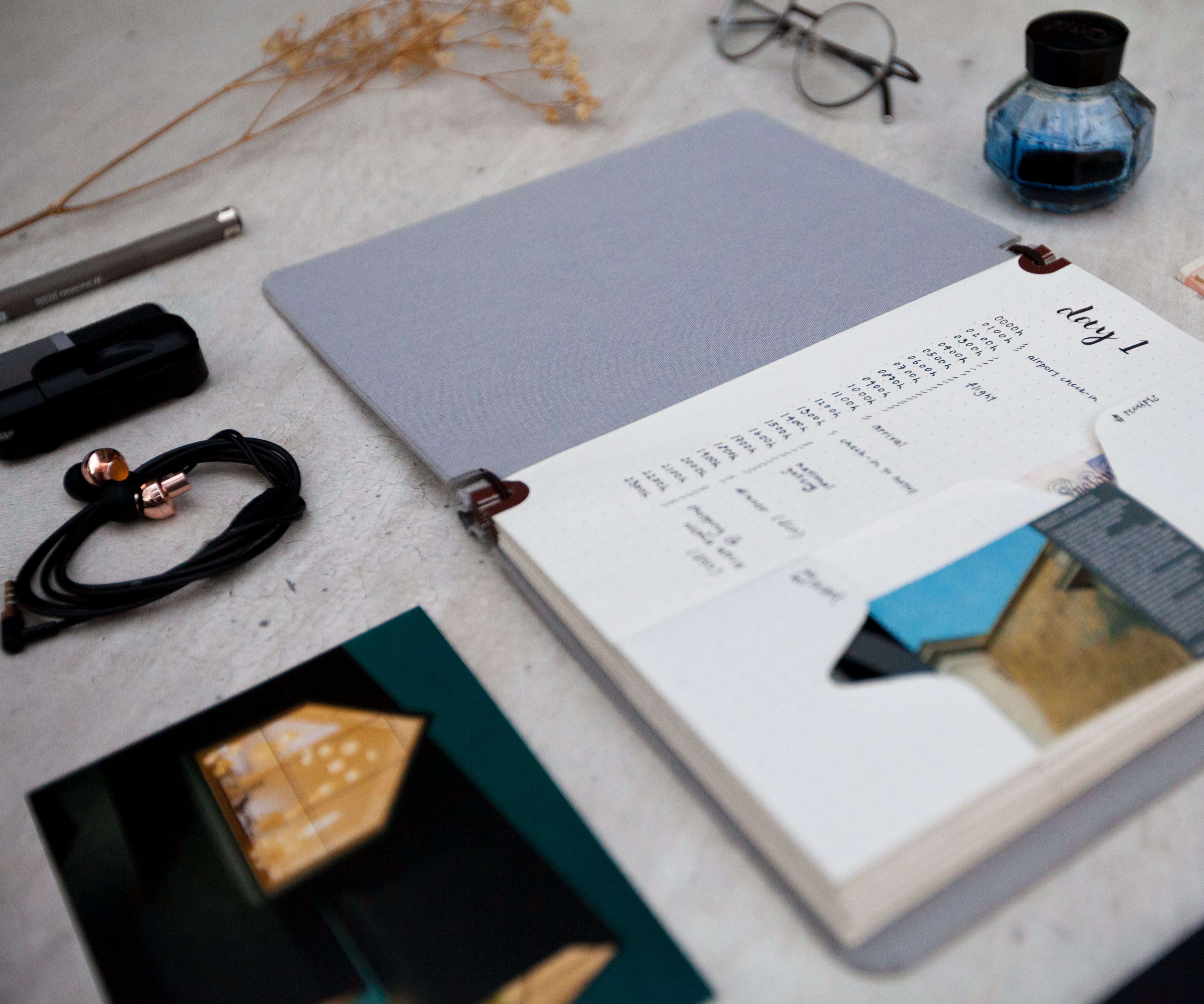 DIY A5 NOTEBOOK WITH POCKETS