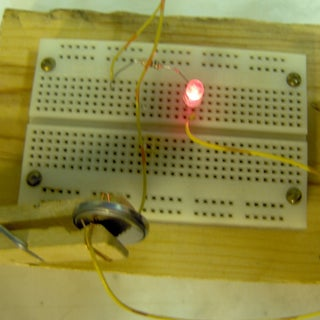 clothespin-battery-holder.jpg