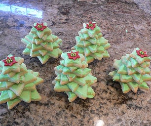 Nifty 3D Christmas Tree Cookies, Great to Eat or Give!