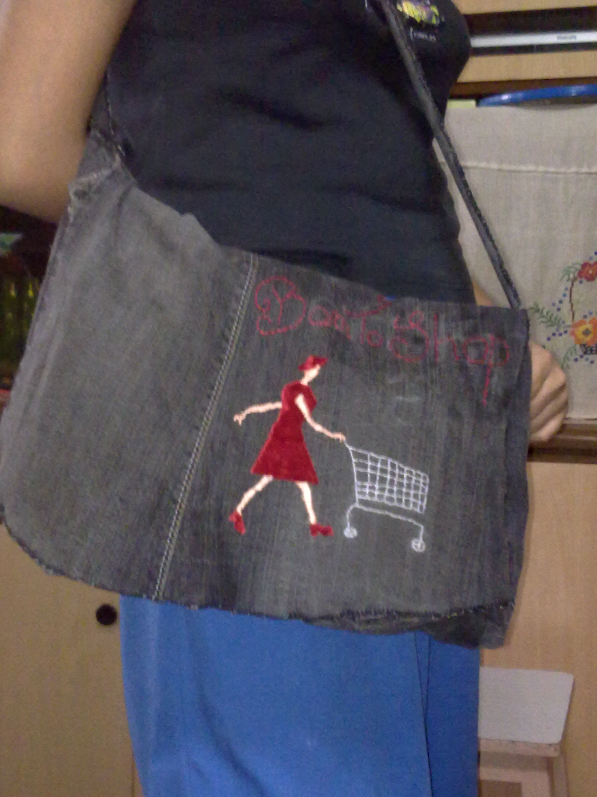 turn old jeans into a bag