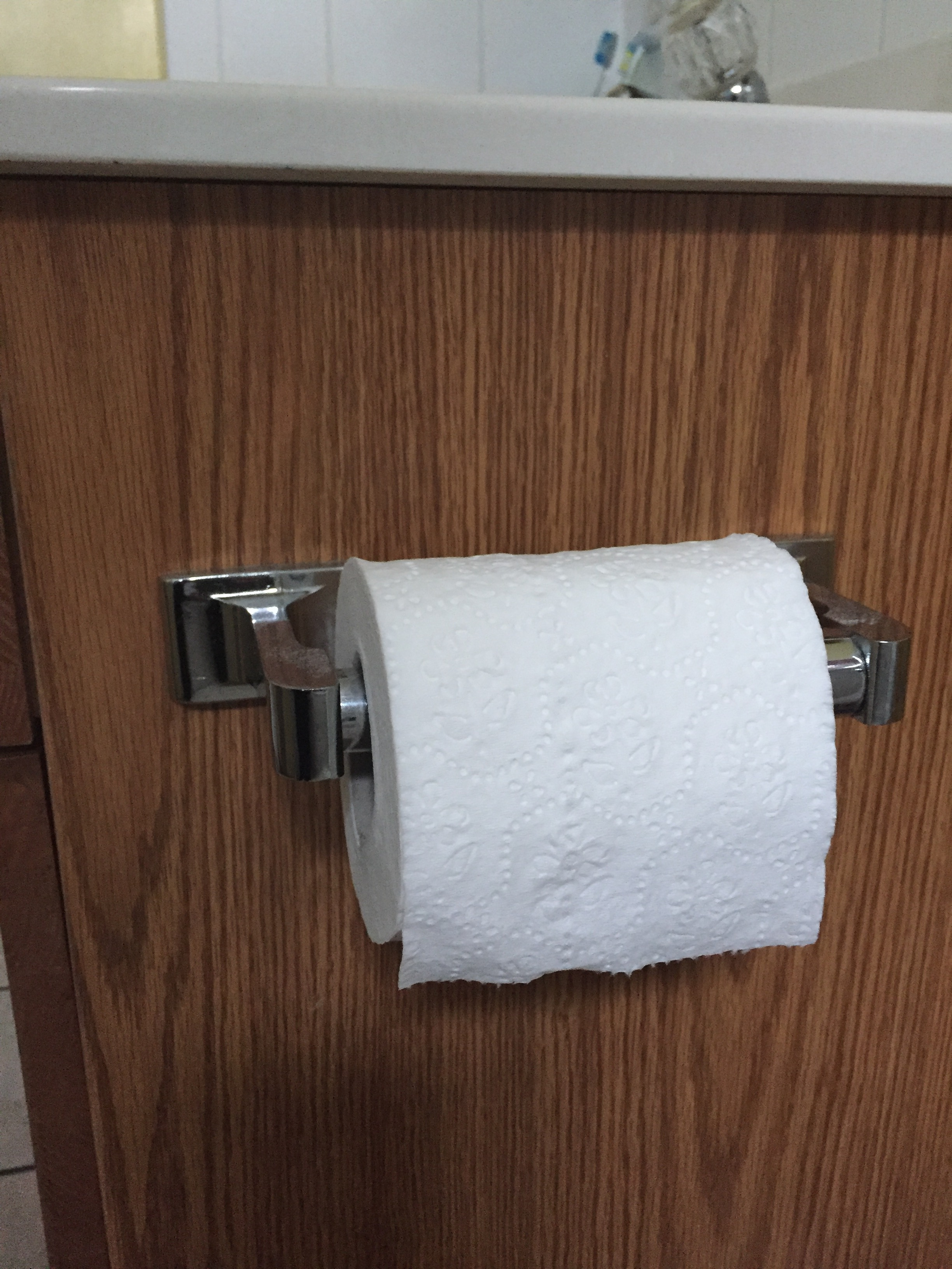 How to Change the Toilet Paper Roll