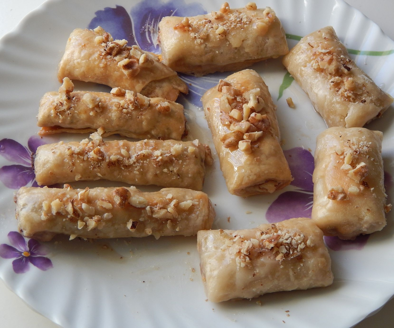 Baklava Finger Rolls with Choconuts