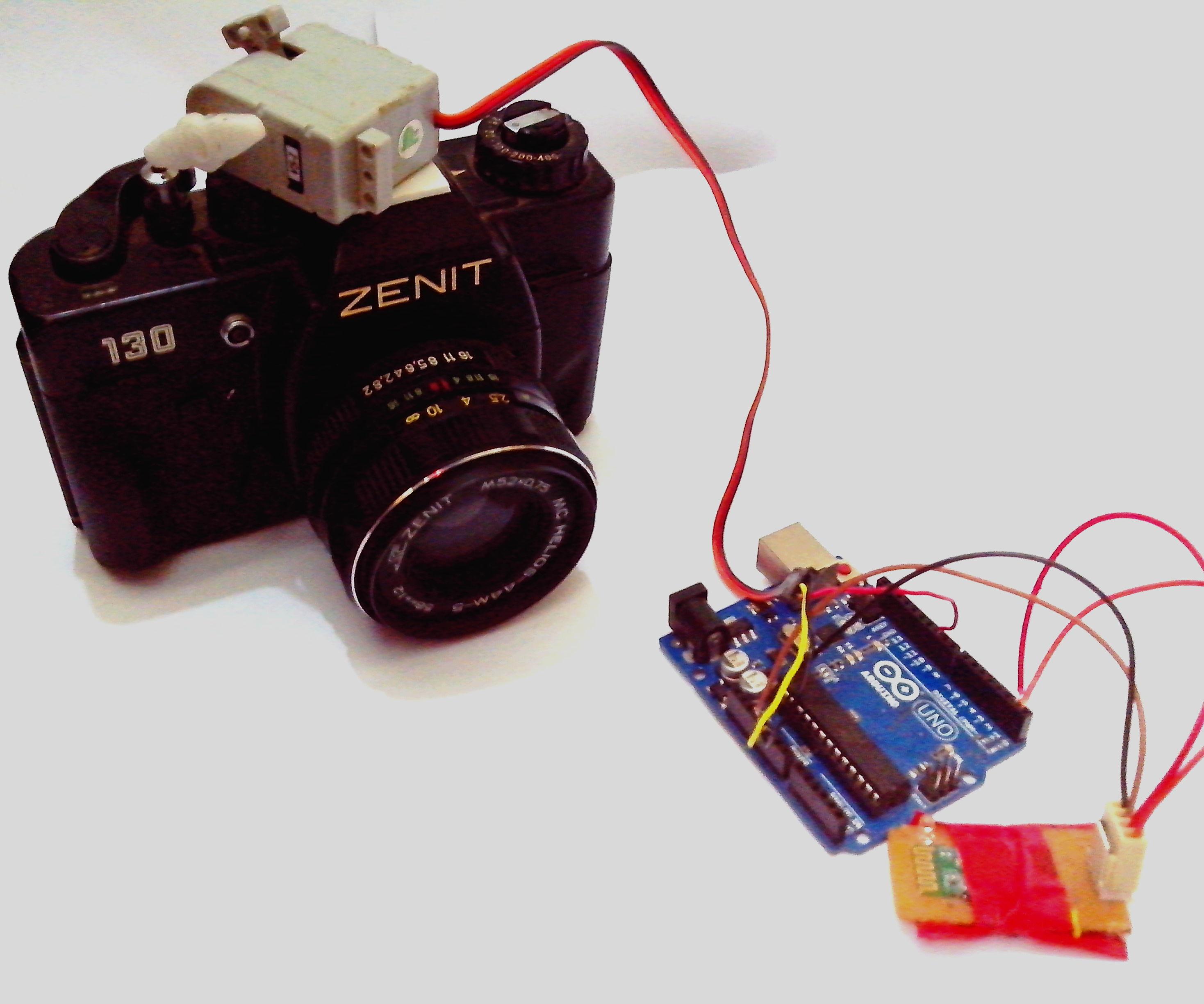 BLUETOOTH (Mobile) triggered camera