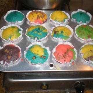 How to Make Rainbow Cupcakes