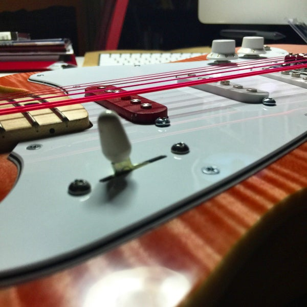 Build a Semi-hollowbody Electric Guitar