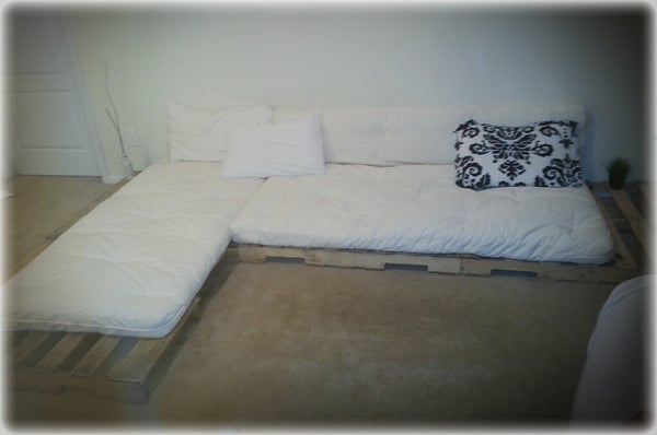 No Tools, Easy DIY Wood Pallet Couch.