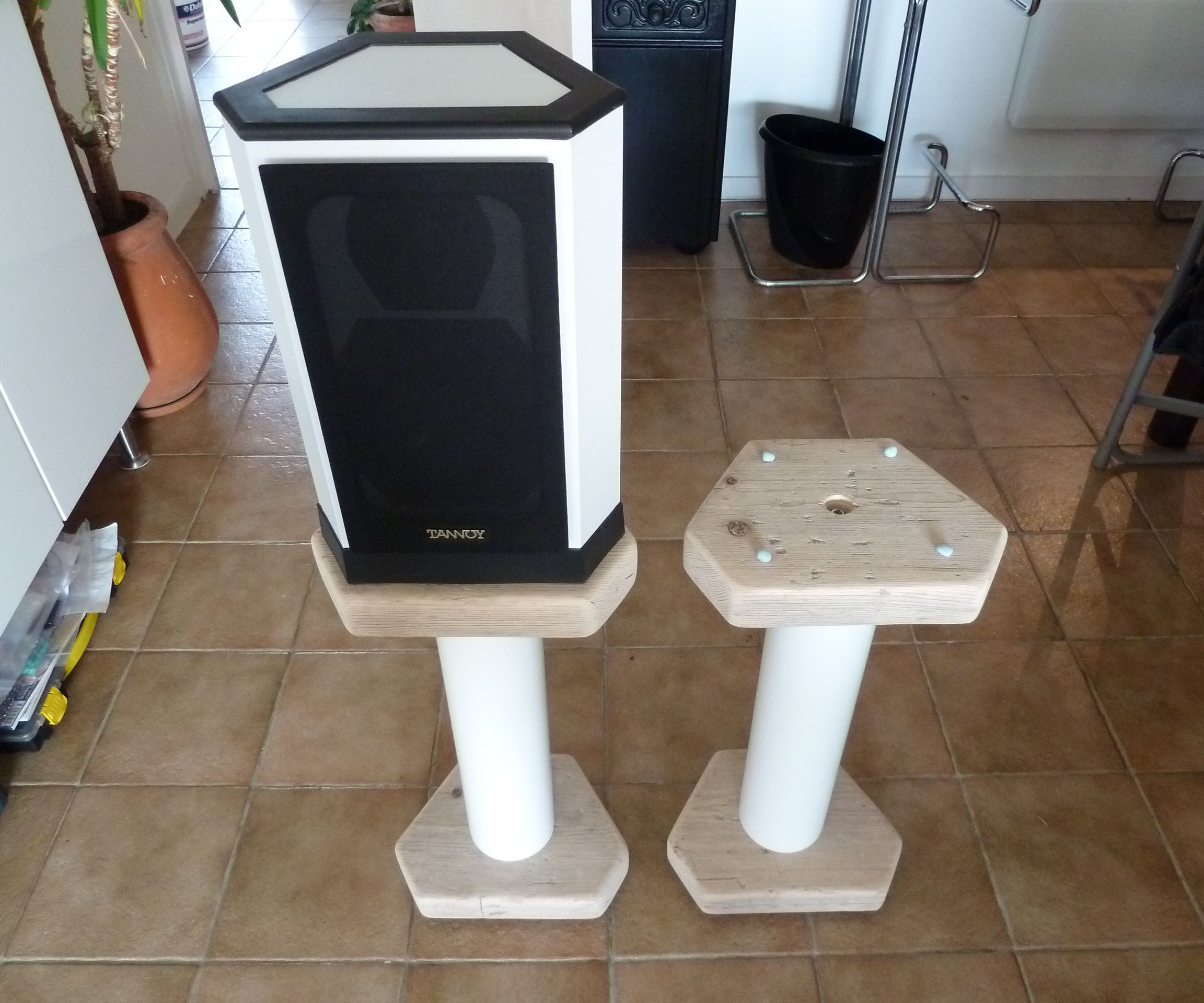 Speaker Stands (With Thanks to TNT Audio)
