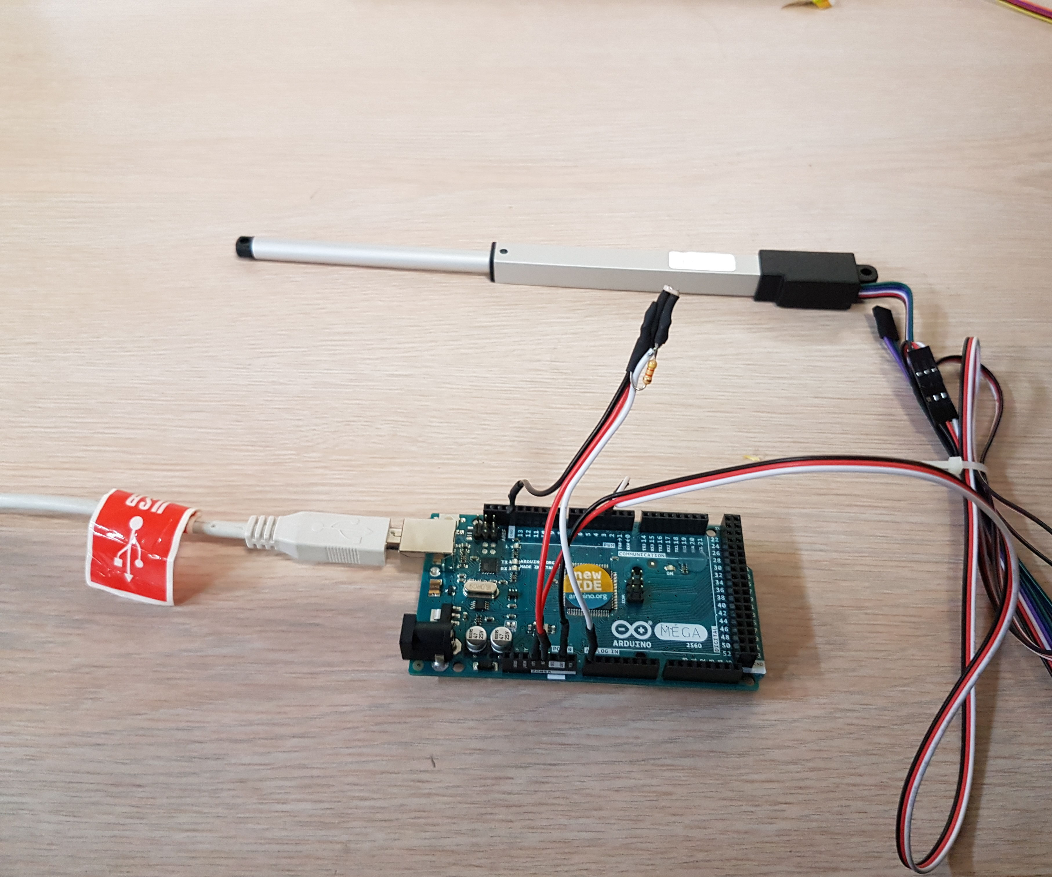 Using a Linear Actuator with Arduino and Photoresistor