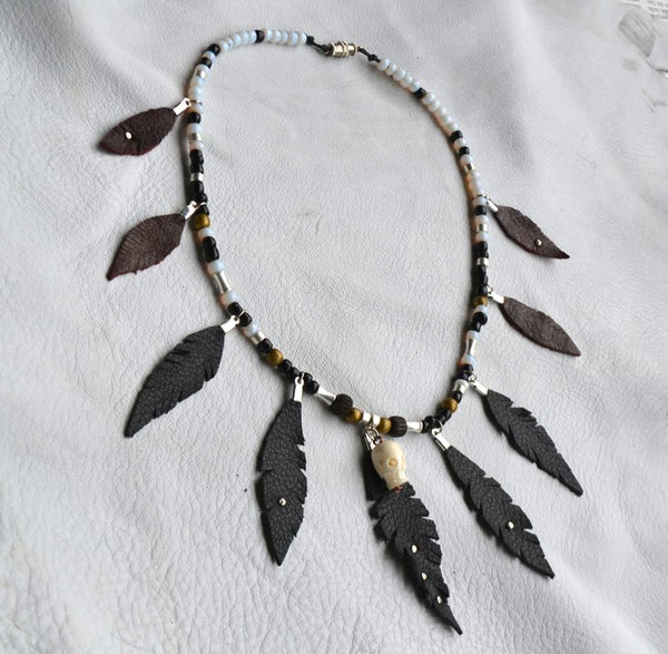 ★LEATHER FEATHER NECKLACE★