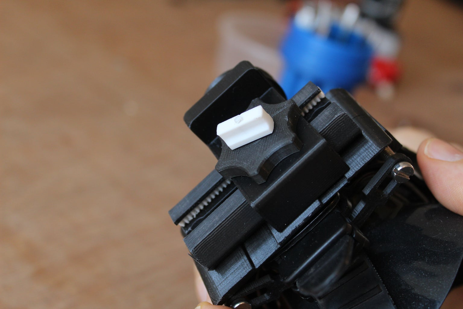 Assembling and Using the Lens Frame and Sliding Mechanism