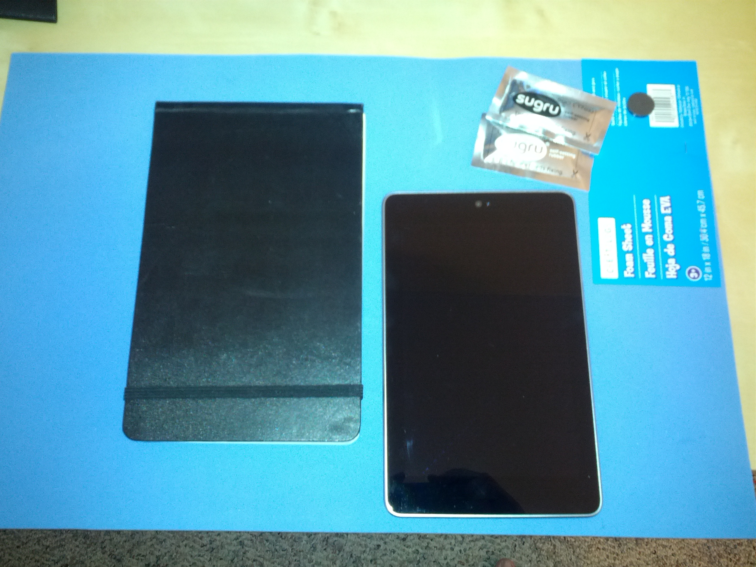 Nexus 7 smart case w/ sugru & magnet
