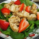 How to Make a Diabetic-Friendly Strawberry Chicken Salad