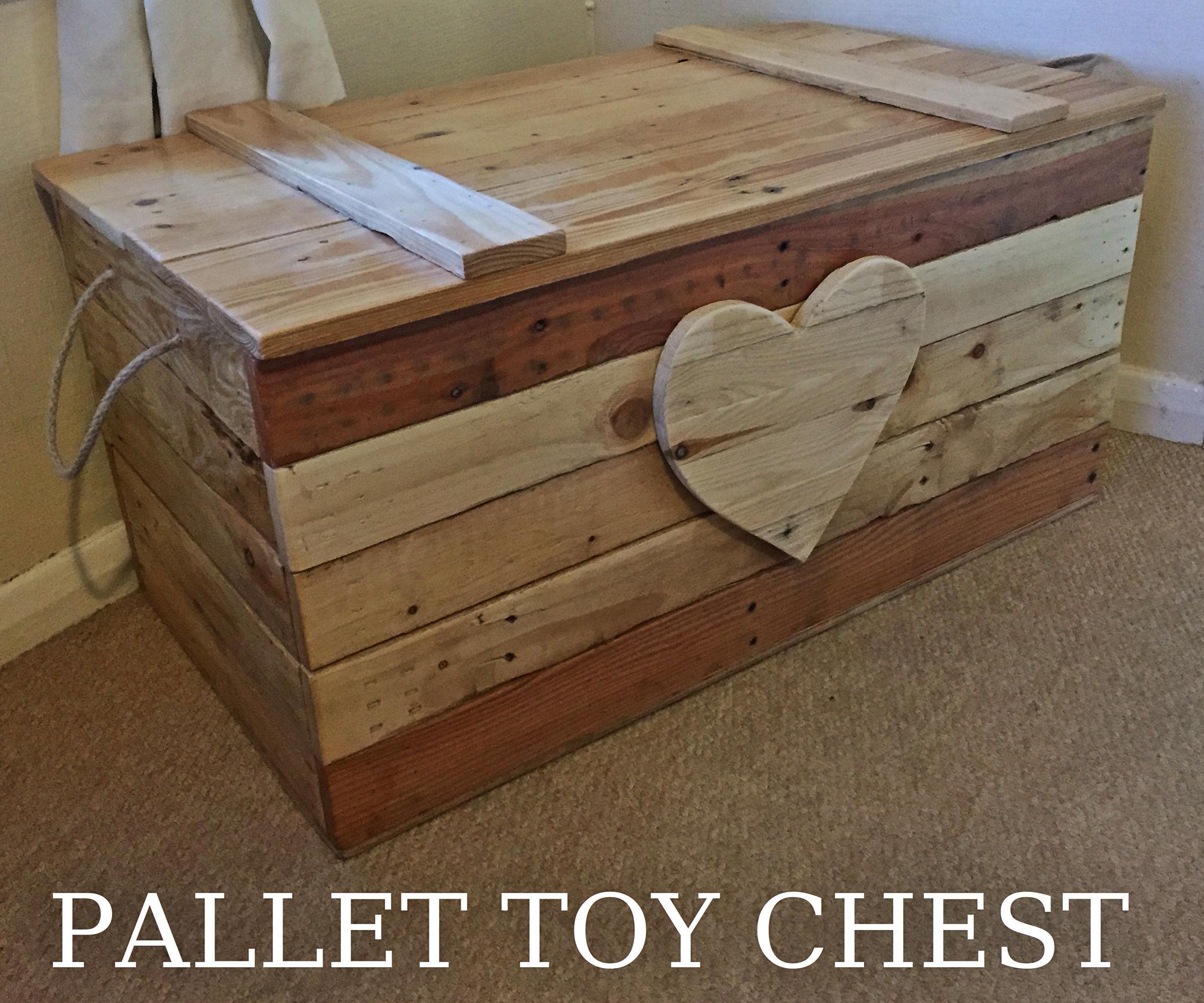 Pallet Toy Chest