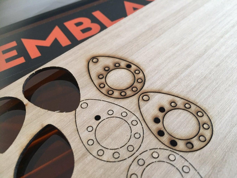 LightBurn > Emblaser 2 - Material Set Up and Cutting
